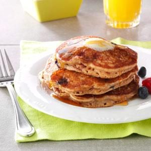 Berry Granola Pancakes Recipe