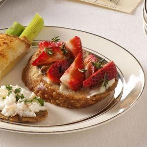 Brie-Berry Bruschetta