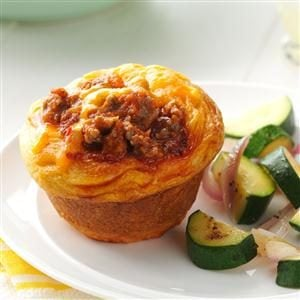Beefy Biscuit Cups Recipe