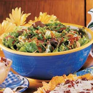 Tossed Salad with Cashews Recipe