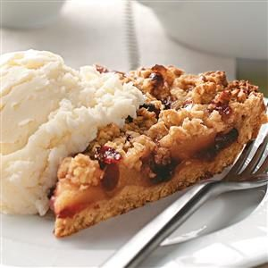 Apple-Berry Crumb Pie