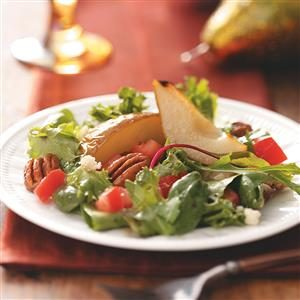 Gorgonzola Pear Tossed Salad Recipe