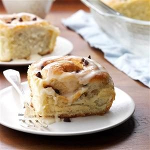 Cinnamon Chocolate Chip Rolls Recipe