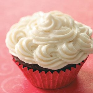 Easy Vanilla Buttercream Frosting Recipe