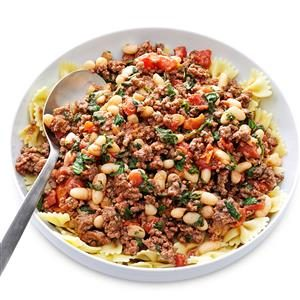 Garlicky Beef & Tomatoes with Pasta Recipe