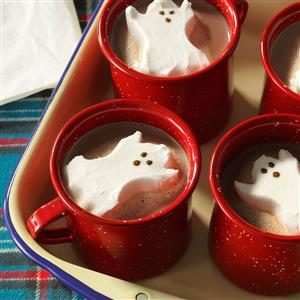 23 Must-Serve Halloween Party Drinks