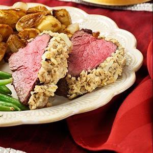 Horseradish-Encrusted Beef Tenderloin