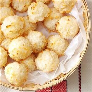 Lemony Coconut Macaroons Recipe