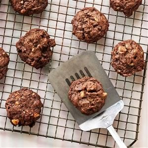 Macadamia-Coffee Bean Cookies