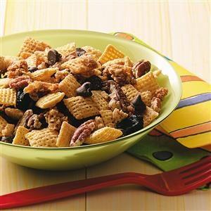 Maple-Pecan Snack Mix Recipe