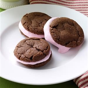 Mint-Mallow Sandwich Cookies Recipe