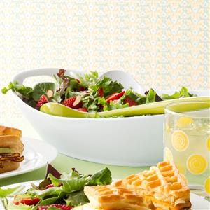 Mixed Greens with Strawberries Recipe