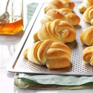 No-Knead Knot Rolls Recipe