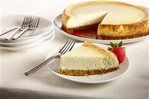 New York Style Vanilla Cheesecake