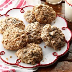 Old-Fashioned Oatmeal Raisin Cookies