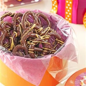 Peanut Butter Chocolate Pretzels Recipe