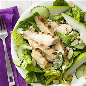 Pear & Chicken Salad with Gorgonzola Recipe