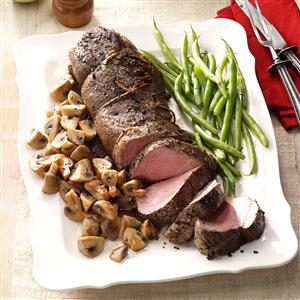 Pepper-Crusted Beef Tenderloin with Mushrooms Recipe