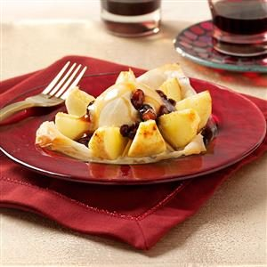 Phyllo Apples With Rum Raisin Sauce Recipe