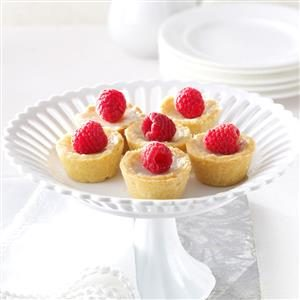 Raspberry Sugar Cream Tarts