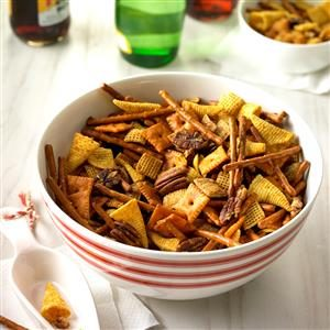 Reindeer Snack Mix Recipe