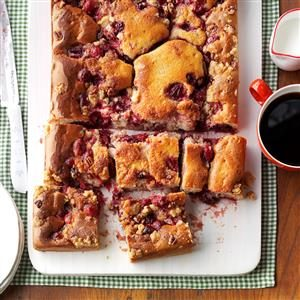 Spiced Cranberry Crisp Cake