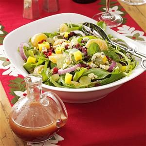 Spring Greens with Blue Cheese and Fruits Recipe