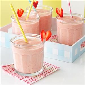 Strawberry-Peach Milk Shakes Recipe