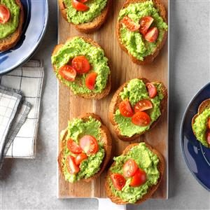 Sweet Pea Pesto Crostini