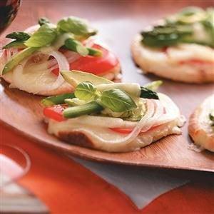 Veggie-Cheese Mini Pizzas Recipe