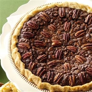 Velvety Chocolate Butter Pecan Pie Recipe