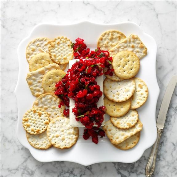 25 Christmas Potluck Appetizers for 12 or More