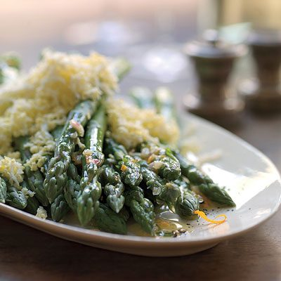 Image of Asparagus With Chopped Egg And Vinaigrette, Rachael Ray Magazine