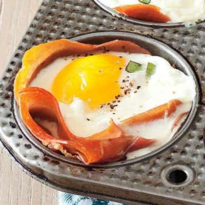 ... eggs in prosciutto cups cocktails with your eggs prosciutto egg cups