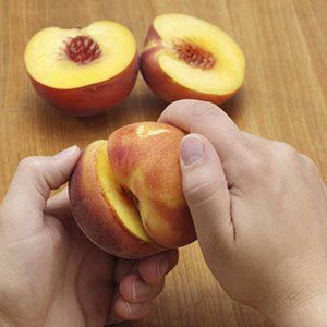 How to Peel & Pit Peaches